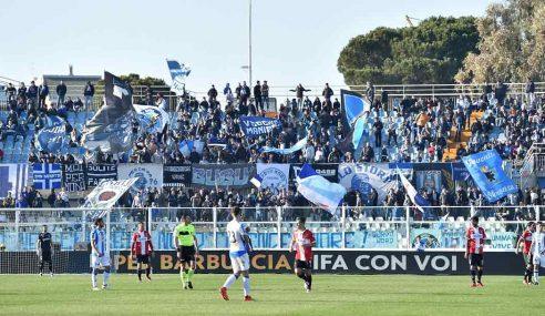 Agguato ai tifosi della Salernitana dopo la partita di Pescara: cosa è successo